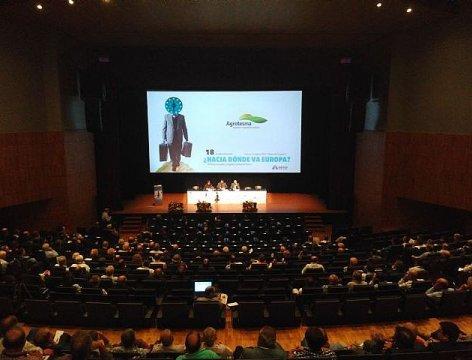 Los regantes impulsan un lobby en Bruselas a favor del aprovechamiento del agua en la agricultura